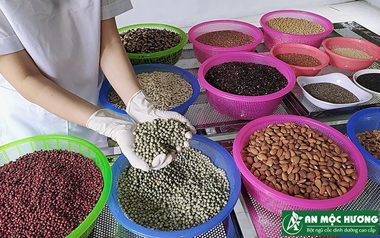 nguyên liệu làm bột ngũ cốc cho bé An Mộc Hương