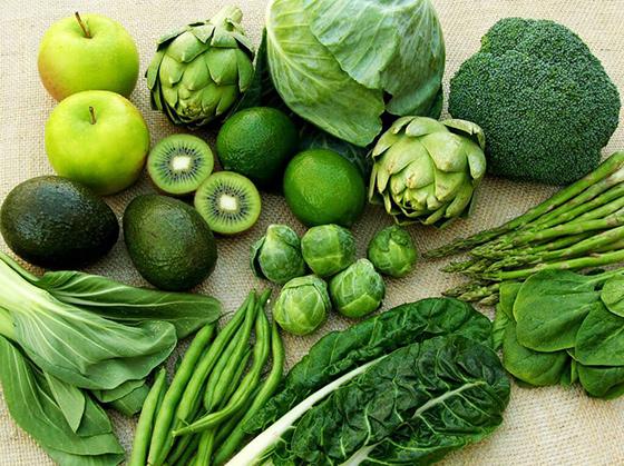 mẹ sau sinh nên bổ sung rau xanh