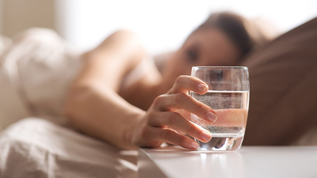 uống nước vào buổi sáng
